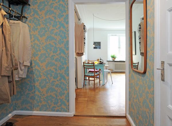 Hur inreder man en hall p en liten yta dansk inredning Hallway wallpaper inspiration