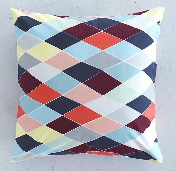 br kig en tillf llig designkollektion hos ikea dansk. Black Bedroom Furniture Sets. Home Design Ideas