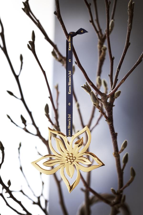 Retouch made by: www.creamwork.dk  For: Rosendahl Design Group