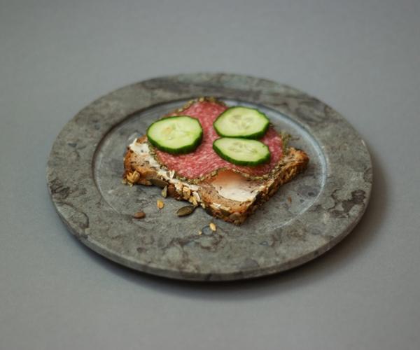 assiett korvmacka stenhuggardottern