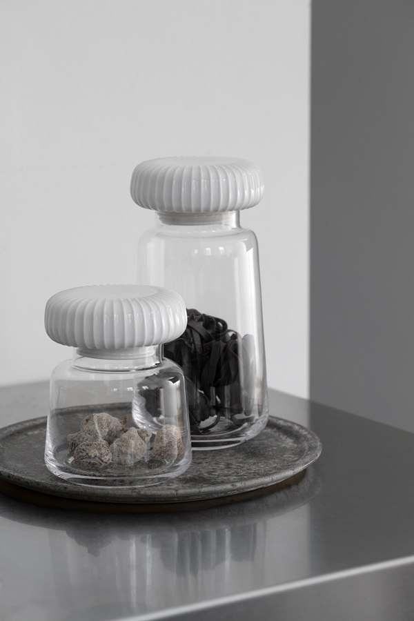 Hammershøi Storage Jars H140 and H225 1A