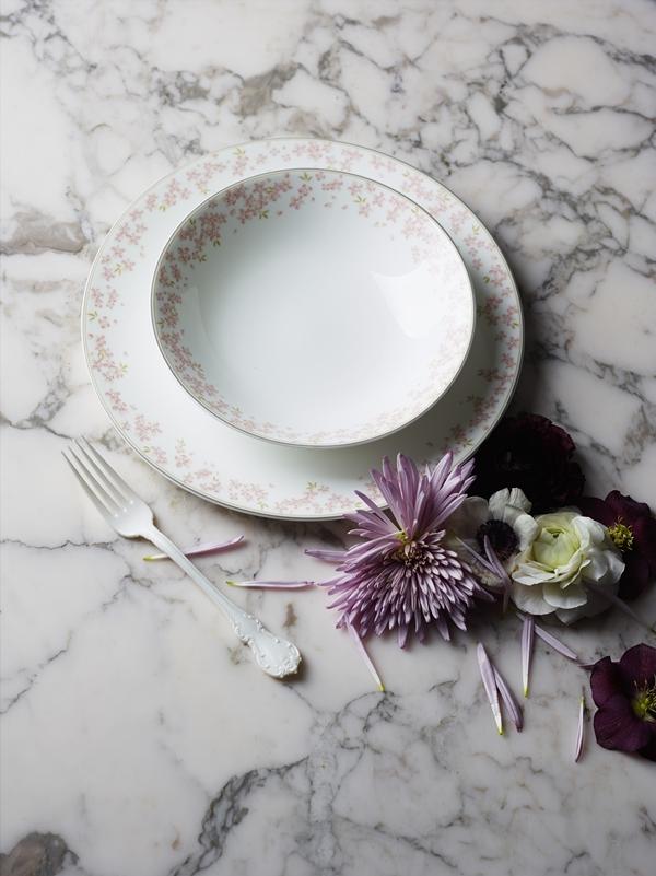 Rosa Slåpe marble flowers