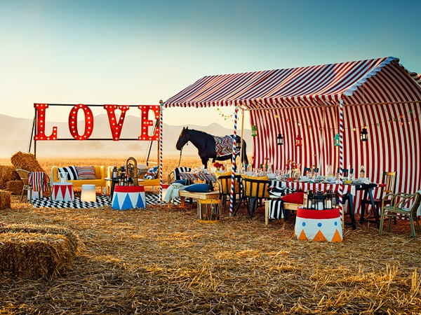 1200x900_0001s_0001_Circus_Wedding_Main_02_241_RGB