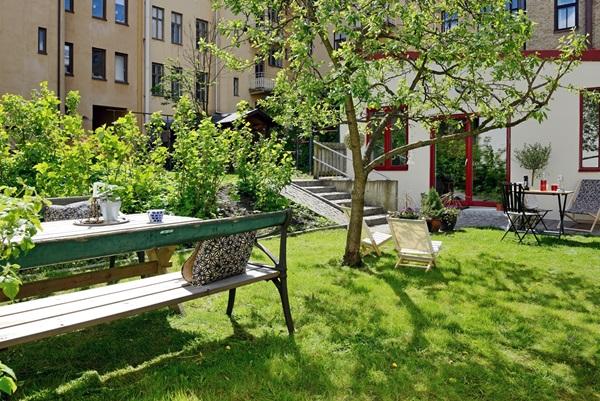 Unikt och påkostat gårdshus med villakänsla mitt i Linné bjurfors