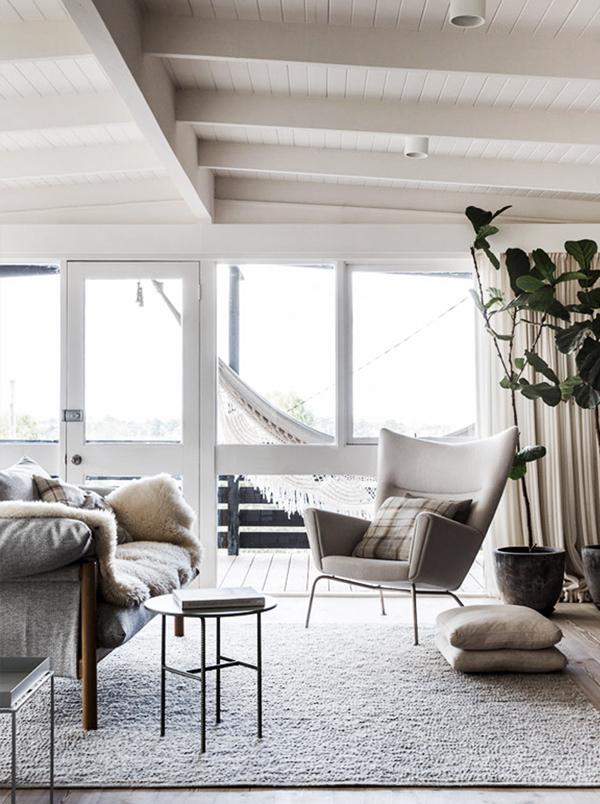 Log-Cabin-Home-Simone-Haag-Oracle-Fox.7