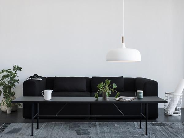 Acorn_white_livingroom_landscape-High_Res_Photo_Chris-Tonnesen