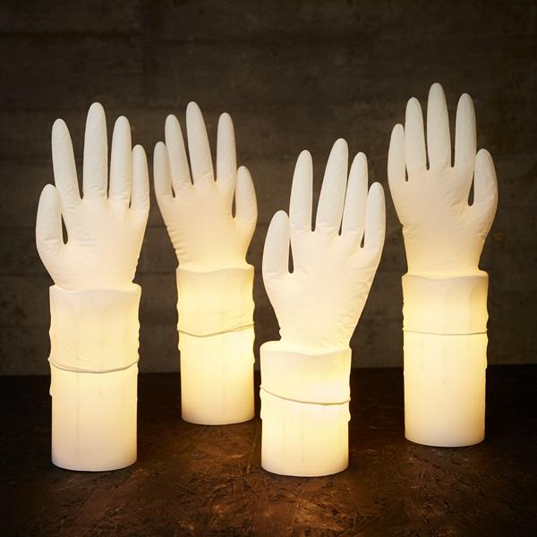 Lysande händer LED Blockljus 7331210117046 621110 Engångshandske 7310380512295 577565 Miljöbild Halloween MVB Bearbetas av Jennie Smith