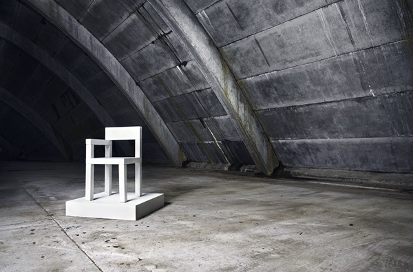 NW_IMAGE_CONCRETE_CHAIR_V001