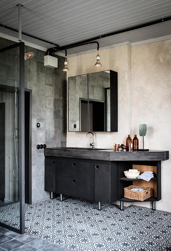 vägglampa badrum industri