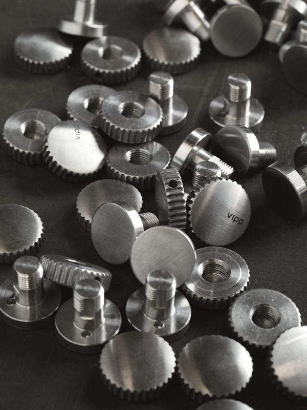 Vipp-Lamps-Detail03-Press-Factory-High