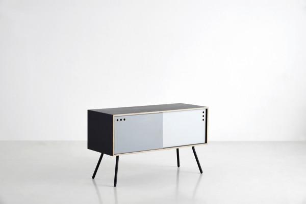 NUR_Geyma-sideboard_black-mist-warm-grey_WOUD-600x401