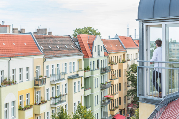 french-balcony-sonntagstrac39fe-berlin-immobilienagentur-fantastic-frank