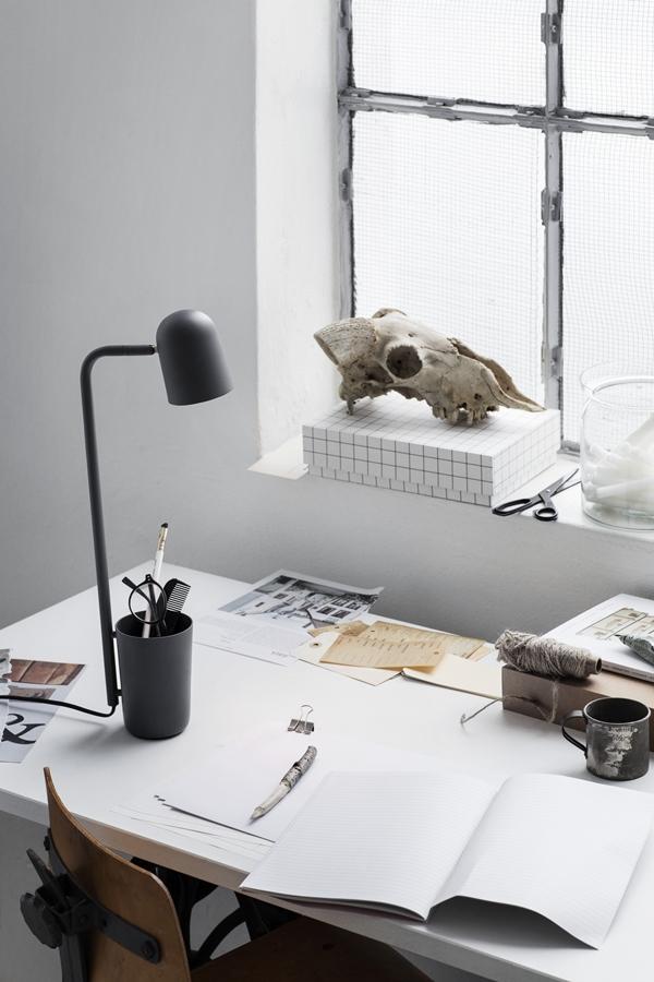 Buddy_Dark_Grey_on_desk_portrait-High-res_Photo_Chris-Tonnesen