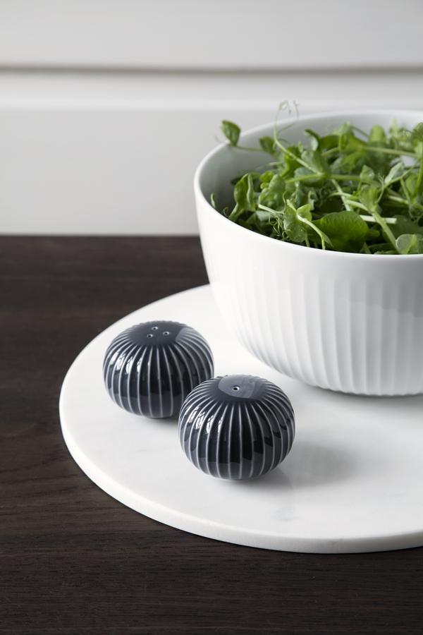 Hammershøi Salt and Pepper Shakers Anthracite 1