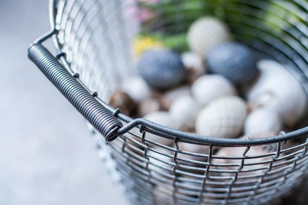 Bucket 16 - Easter eggs handle