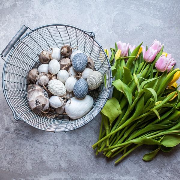 Bucket 16 - Easter eggs & tulips