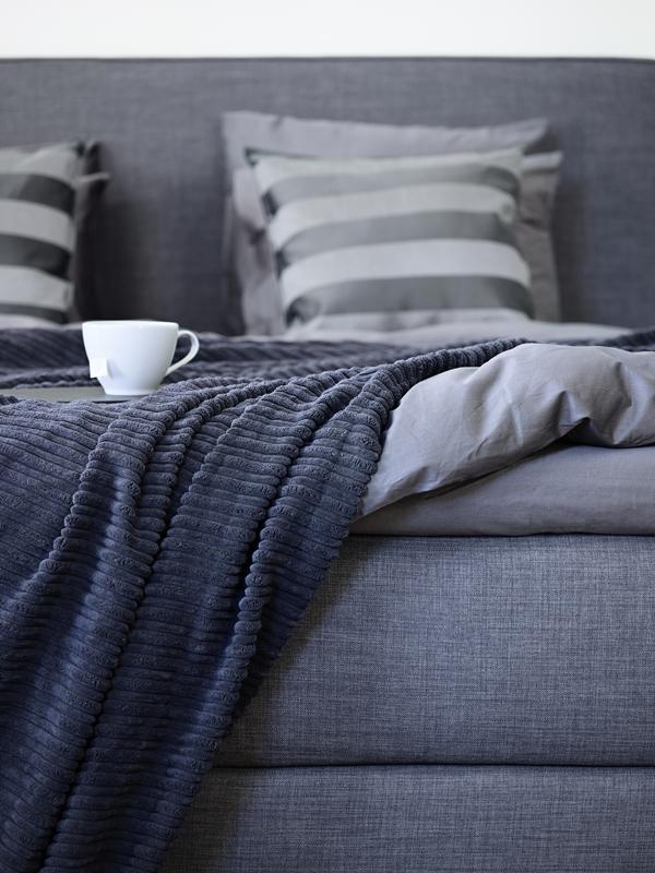 IKEA_DUNVIK_kontinentalsang_Siftebo_morkgra