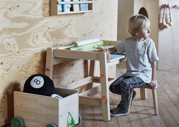 IKEA_FLISAT_barnskrivbord1
