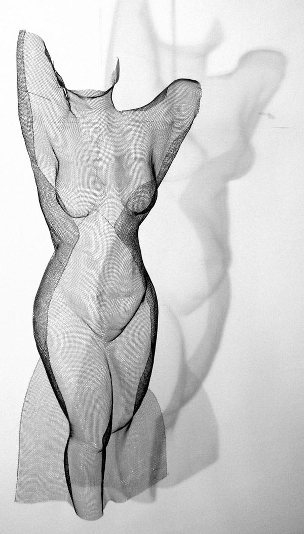 reaching-woman-mesh
