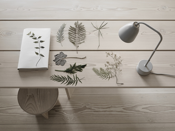 caravaggio-read-table-grey25-white-installation-27702