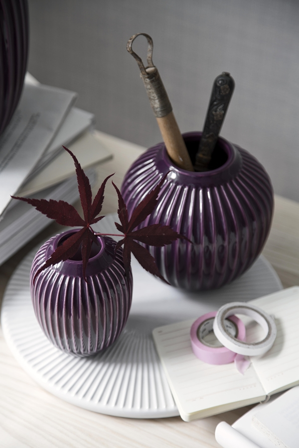 Hammershøi_vase_plum_closeup_2_High resolution JPG_296192