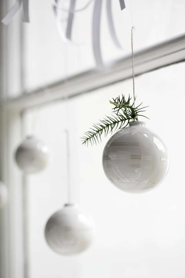 Omaggio_christmas_baubles_closeup_High resolution JPG_296201