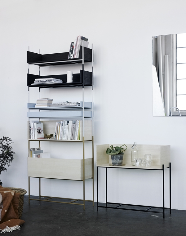 1930451-vivlio-shelf-system-light-blue_-black-frame-02