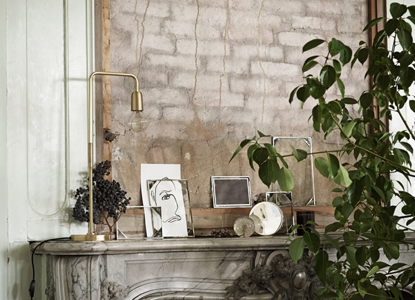 decorative-frames-with-new-angle-to-hang_high