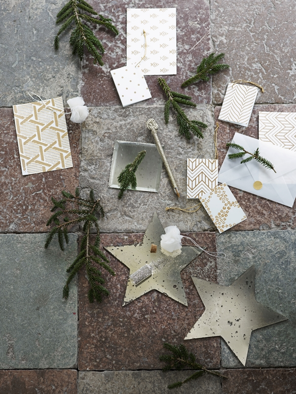 glitter-cards-pom-poms-and-mirrors-for-christmas_high