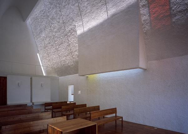 seashore-chapel-beidaihe-new-district-china-beijing-vector-architects-religion-beach-church-light_dezeen_1568_13