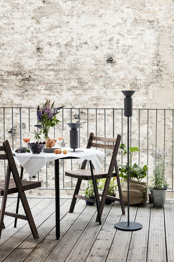 poppy_black-grey_skinny_table_and_floor_long_balcony-high_res_photo-chris_tonnesen