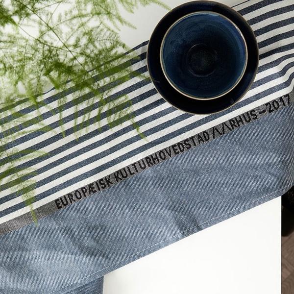 AARHUS_tea_to_el_Blue_Silver_50x80_interior1