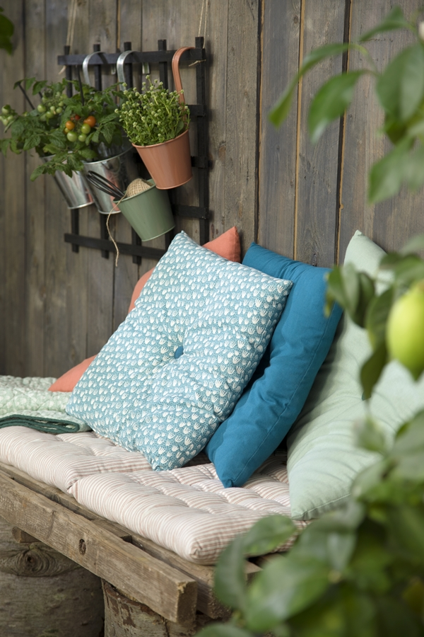 Avaliable30March_Cushion_SostreneGrene_OutdoorLiving_1