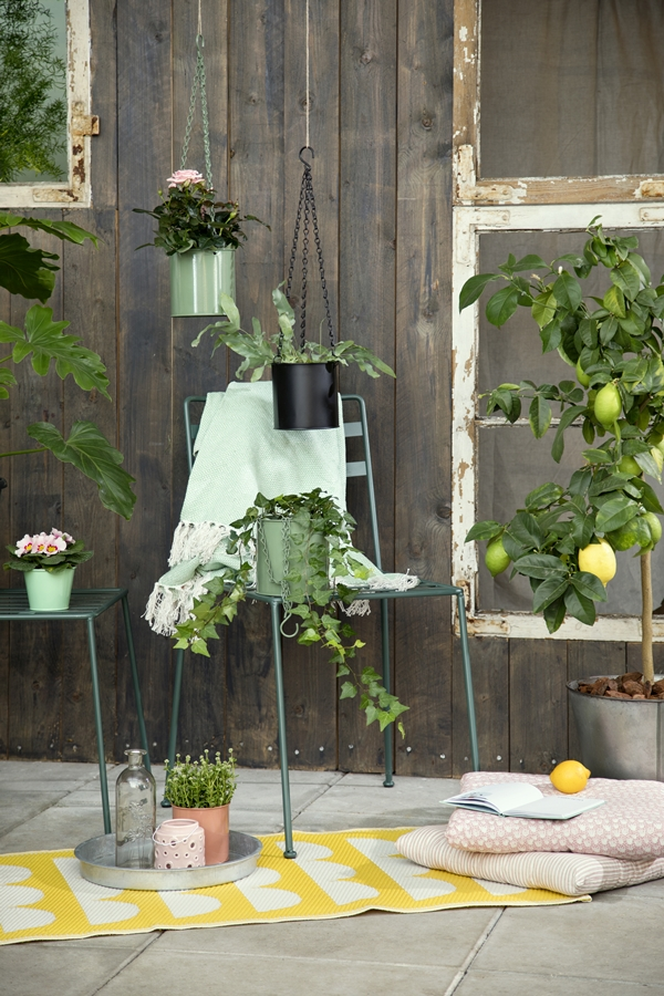 Avaliable30March_HangingFlowerpots_SostreneGrene_OutdoorLiving_1