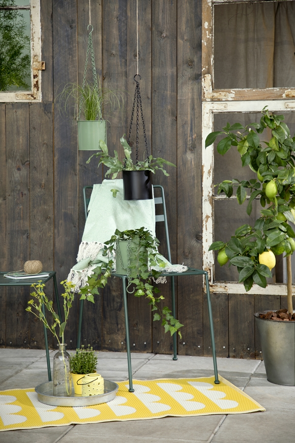 Avaliable30March_HangingFlowerpots_SostreneGrene_OutdoorLiving_2