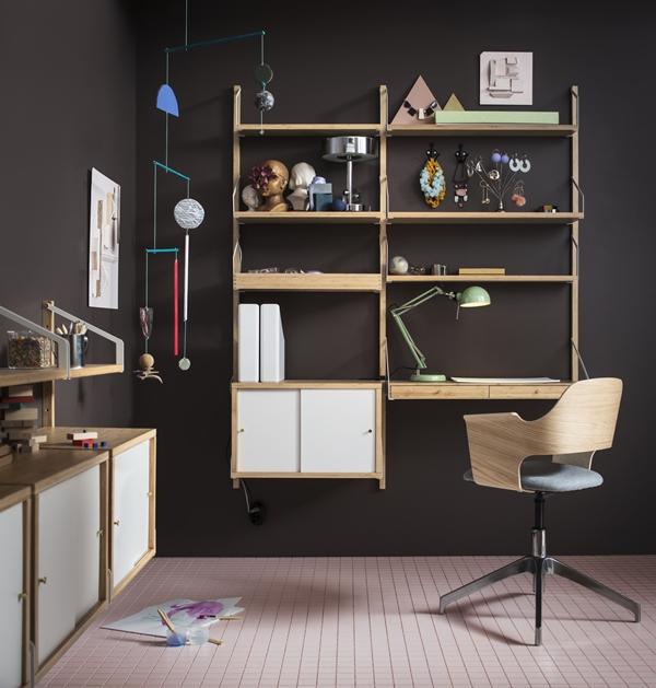 IKEA_SVALNAS_vaggmonterad_skrivbordskombination_skap_hyllplan_bambu_vit_PH141416