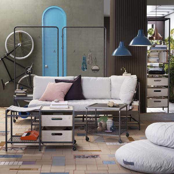IKEA_VEBEROD_sittbank_skarmvagg_-EKEBO_3sitssoffa_LALLEROD_soffbord_PH141556