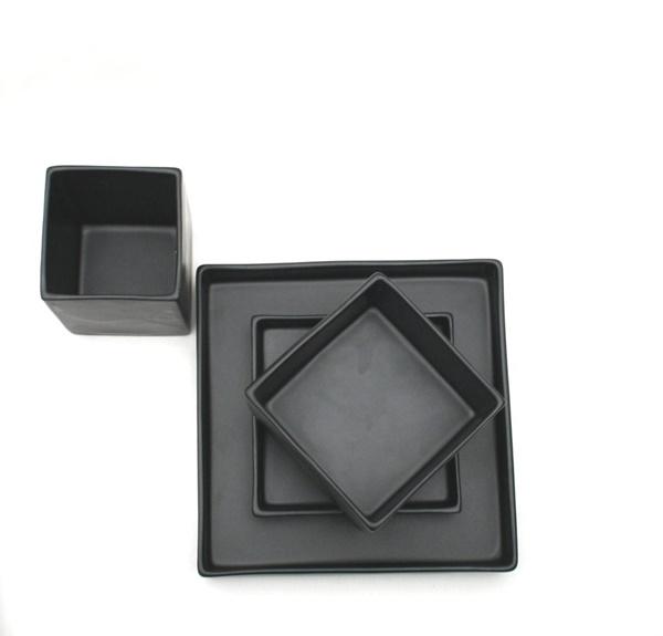 Square-svart-4-1024x981