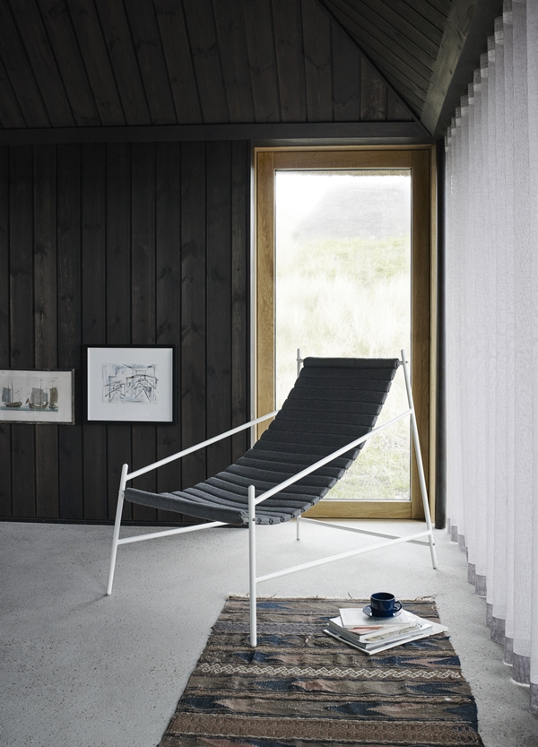 1580530 Hang Chair, Silver White Frame 01