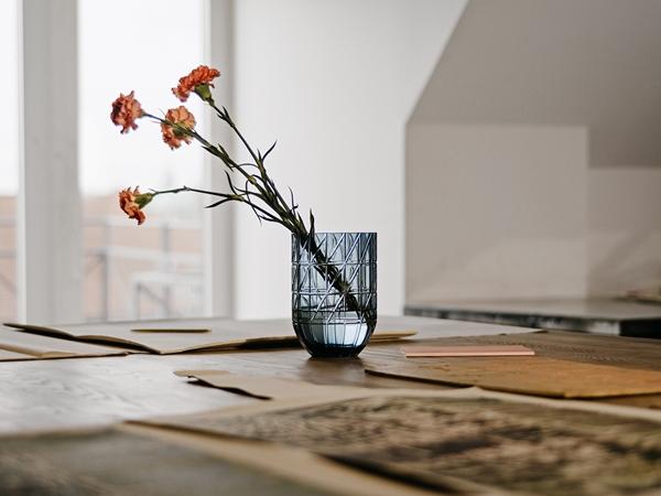 Colour Vase 01
