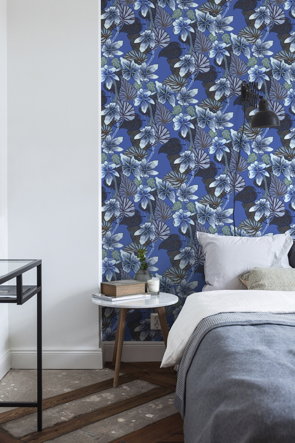 nadja-wedin-purple-vein-blue-wallpaper