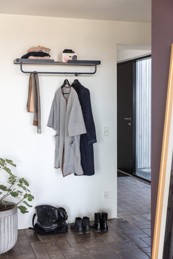 DESIGNBITE-coat-hanger-810x1215