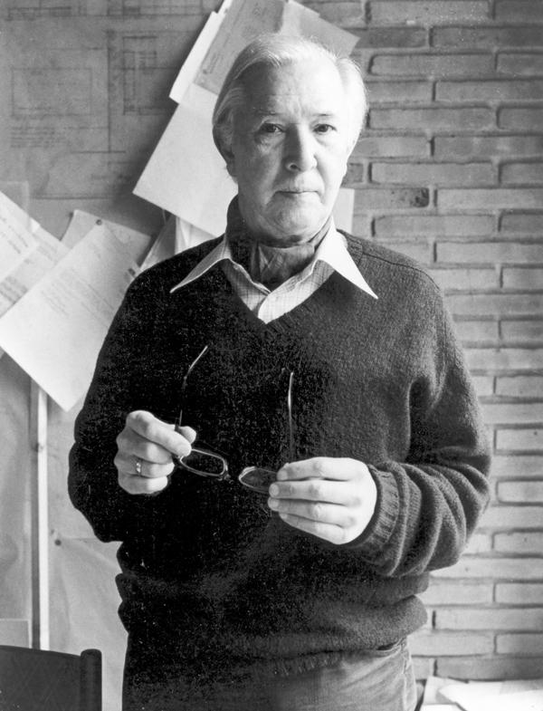 Hans J. Wegner Working_2