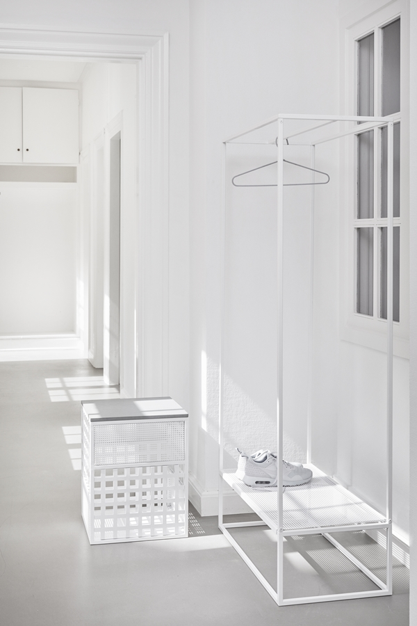 KristinaDam-Grid_Coatstand_sittingstorage