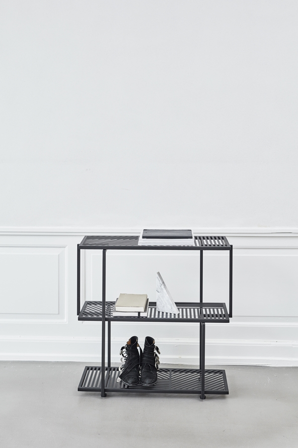 KristinaDam_graphic_shelve_black_2