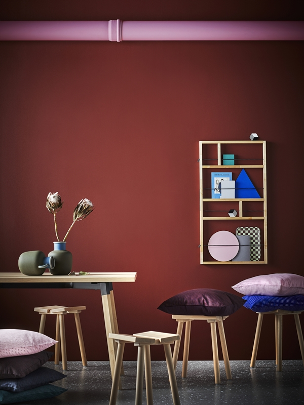 IKEA_YPPERLIG_bord_pall_vagghylla_kuddfodral_vas_PH146021