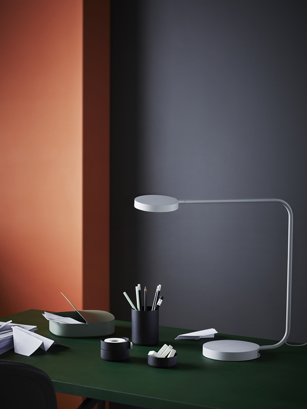 IKEA_YPPERLIG_bordslampa_LED_skrivset_PH146017