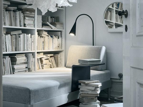 IKEA_DELAKTIG_soffa_3-sits_Tallmyra_vit_svart_med_sidobord_PH148113