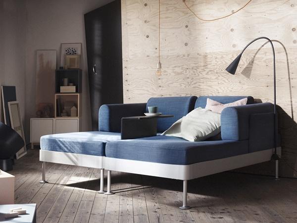 IKEA_DELAKTIG_soffkombination_Hillared_morkbla_med_lampa_och_sidobord_PH148104