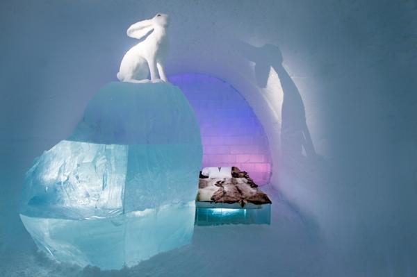 Art suite - Follow the White Rabbit AnnaSofia Mååg & Niklas Byman  ICEHOTEL 28  Photo by - Asaf Kliger